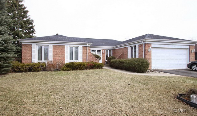 1655 Marie Ln, Glenview, IL 60025